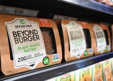 Количество продукции из растительного мяса от Beyond Meat сократилось в российских магазинах и ресторанах