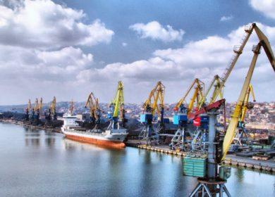 Отгрузки масличных и продуктов переработки в октябре из морпортов Украины выросли в 1,6 раз