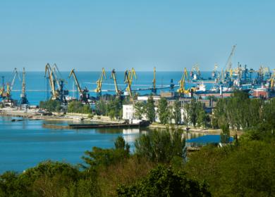 В Испанию доставят груз подсолнечного масла объемом 7,7 тыс. тонн из Мариупольского морпорта