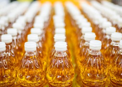 Киргизия. Сколько должно стоить растительное масло, Госантимонополия объясняет на рынках КР